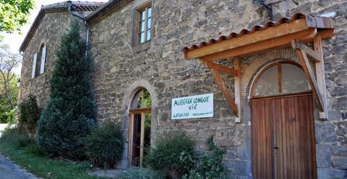 Auberge et Micro-Brasserie Longue Vie